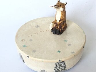 陶ハコ「キツネのいる風景」の画像