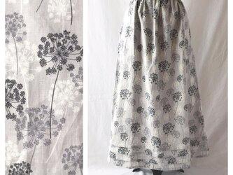 【リネン】レディのためのシンプルAラインスカート(レースフラワー:グレー)の画像