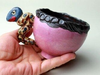 怪獣のカップ/ 陶芸家がつくるマグ/おしゃれで可愛いマグ/ユニークな器/瀬戸黒/色絵付け/マグ集めの画像