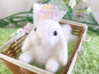 【セール】羊毛うさぎ*Sサイズ*ごろ寝*ホワイトの画像