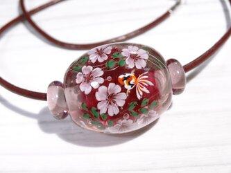 桜と金魚のとんぼ玉(ガラス玉)の画像