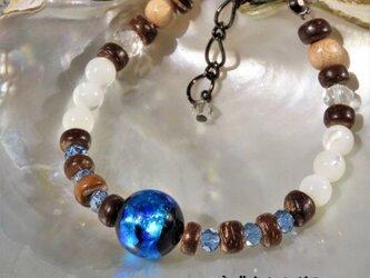 ブレスレット マザーオブパール とんぼ玉 ほたる玉 ガラス ビーズ 琉球 沖縄 お土産 ペア アクセサリー ブルーの画像