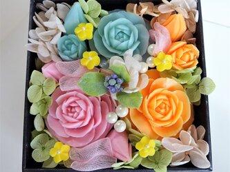 石鹸彫刻 香る花のボックスアレンジメント (ブルー)の画像