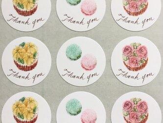 マカロンとフラワーカップケーキのサンキューシール 48枚の画像