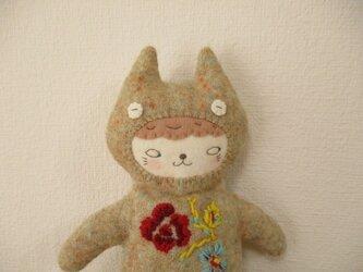 花刺繍の猫ペンケース P23の画像