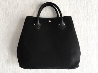 A4サイズ対応 自立する11号帆布とレザーのトートバッグ【ブラック】の画像