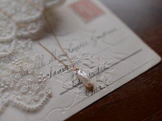 ヘンテコパールの一粒ネックレスの画像