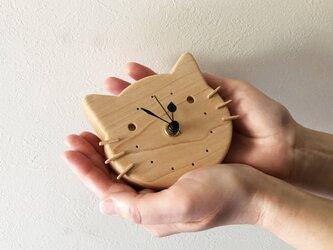 小さなねこの壁掛け/置き時計|メープル無垢材の画像