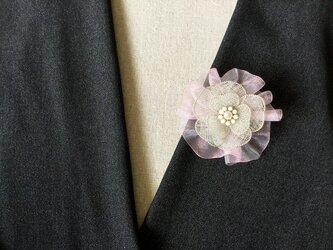シルバーのお花のブローチ(ピンク・オーガンジーリボン付)の画像