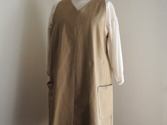 コットンVネックのジャンバースカートの画像