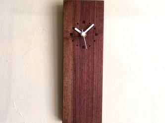 掛け時計 縦型 ウォールナットの画像