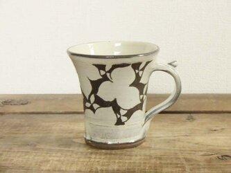 エンレイソウ白いマグカップの画像