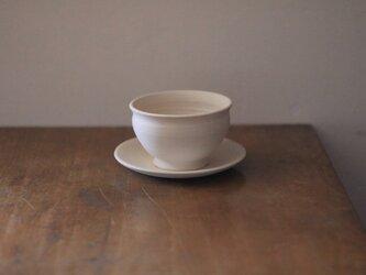 白い植木鉢と受皿【マル】の画像