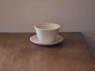 白い植木鉢と受皿【切立て】の画像