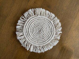まぁるいマクラメ編みのマット〜Lサイズの画像