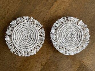 まぁるいマクラメ編みのマット〜Mサイズの画像
