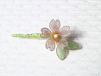 桜のブローチAの画像