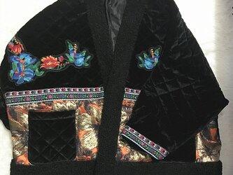 コーデを格あげする カシミア成分Vネックのコートの画像