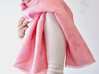 【ギフトに人気】フィルタンゴストール  春待ち桜柄 サクラピンク 。京都丹後の絹織物、ご家庭で洗えるシルクストールの画像