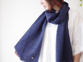 フィルタンゴストール  西洋更紗柄 ネイビー。 京都、丹後の絹織物、洗えるシルクストールの画像