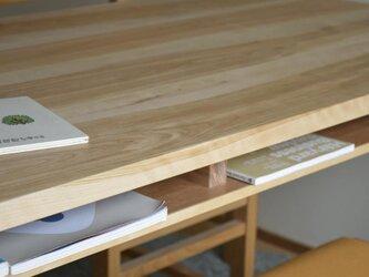 カバ桜 棚付きダイニングテーブル W180の画像