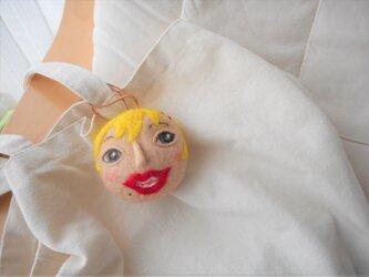 金髪の女の子 携帯用ナイロン袋ケースの画像