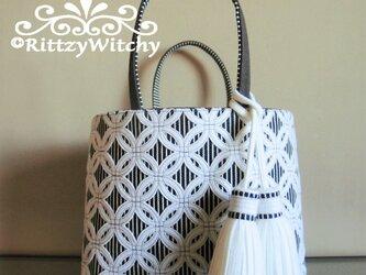 1【受注生産】刺し子風トートバッグ(七宝つなぎデラックス・ホワイト×ストライプ×チャコールグレー帆布)の画像