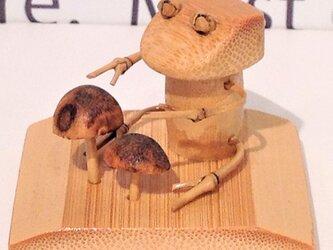 組立キット!キノコ狩りをする可愛いカエルを作ってみようの画像