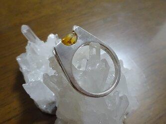 シトリンのリングの画像