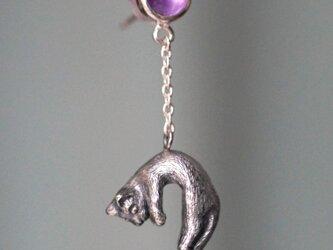 風船と旅する脱力猫ピアス 片耳の画像