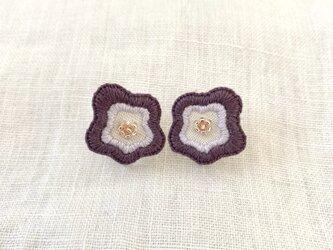 ウェーブフラワーのイヤリング(purple)の画像