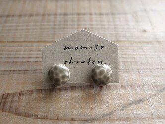 陶の宝石耳飾り(イヤリング)の画像