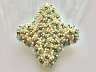 星のかたちブローチ  チョコミント色の画像