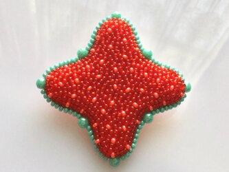 星のかたちブローチ  赤×緑の画像