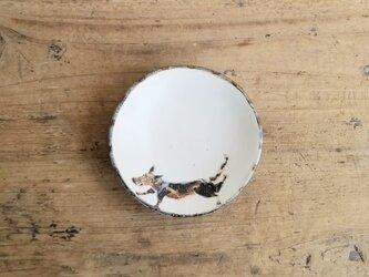 小皿no.50 犬(走る)の画像
