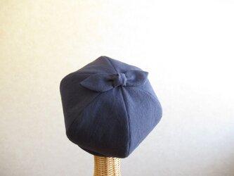 てっぺんにリボンのベレー帽 コットンリネン ネイビーの画像