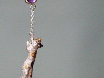 風船をつかまえた三毛猫ピアス 片耳の画像