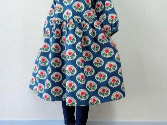 北欧レトロ 花柄*ゆったりギャザーワンピース*七分袖*コットンリネン*アッシュブルー×ピンクの画像