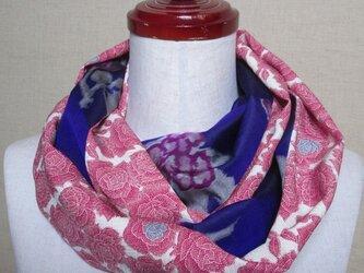 着物リメイク ローズピンクの薔薇模様の正絹着物×銘仙から作ったお洒落なスヌードの画像
