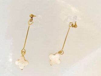 【ノンホールピアス】ロング9ピンと白蝶貝シンプル・金の画像