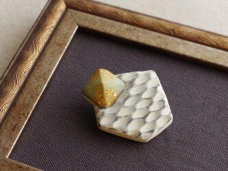 網目模様の幾何学ブローチ 金箔 ヴィンテージ ナチュラル シャビー 幾何学 b-60の画像