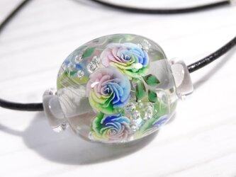 レインボーローズのとんぼ玉(ガラス玉)の画像