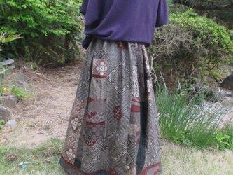 着物リメイク  豪華なエレガントスカート  裏付きです。の画像
