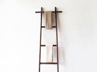 受注生産 職人手作り ハンガーラック はしご 木製 家具 ウォールナット材 リビング収納 天然木 木目 無垢材 木工の画像