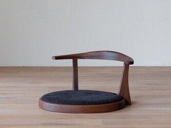 受注生産 職人手作り 座椅子 シンプル 北欧 ラウンド 家具 無垢材 エコ 天然木 椅子 木目 ウォールナット チェリーの画像