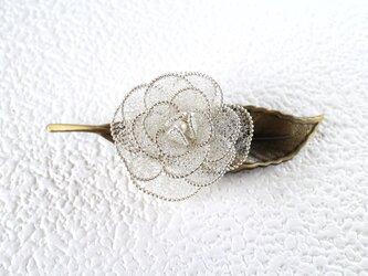薔薇のブローチ(一葉・ツートーン)パール入りの画像
