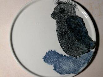 6寸皿(風に吹かれてペンギン)(10-121)の画像