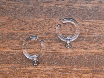 ガラスのカン付きイヤーカフ(両耳用) ピアス/イヤリング金具の代用 金属アレルギーの方にの画像