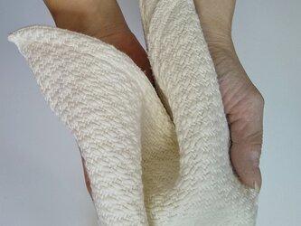 手織りハンカチ 汗をしっかり吸収してくれるコットンハンカチ ホワイトの画像