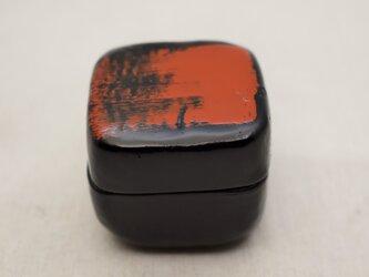 手彫小箱 マホガニー 黒漆朱漆の画像